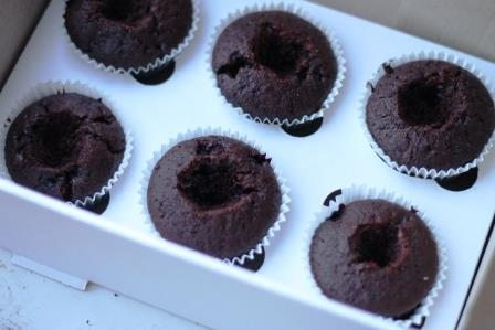 шоколадные кексы с начинкой